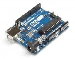 - Arduino UNO R3 (Klon)
